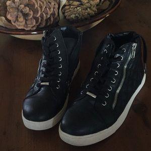 🆕Steve Madden Moto sneakers